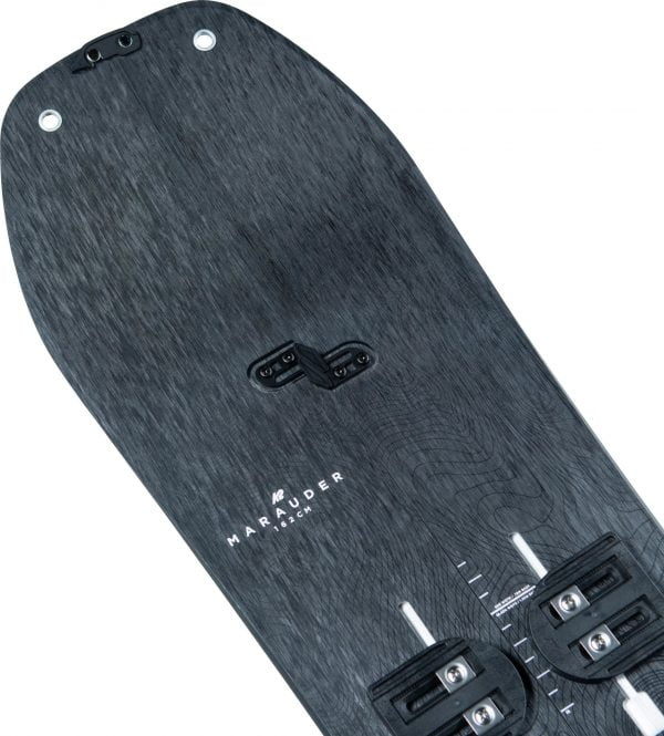 Illustrer l'ensemble de splitboard K2 Marauder 147 disponible en location chez Splitboard QC