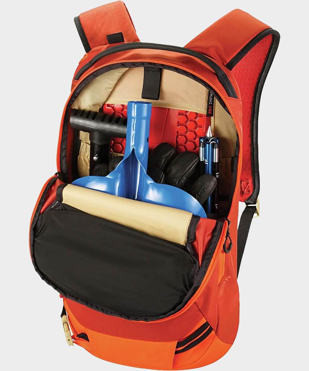 Sac à dos Dakine Poacher avec équipement de sauvetage